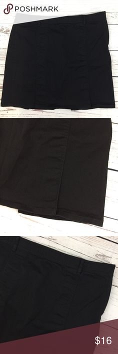 """Ann Taylor Loft- Pleated Black Mini Skirt Women's Size - 12 Ann Taylor Loft Stretch Black Mini Skirt Pleated Bottom - Uniform Skirt 98% Cotton; 2% Spandex Waist:  34""""  Total Length:  17.5""""  Condition: Gently used condition; no holes, rips or stains Previously loved items will have some wear and signs of usage. Please review pictures for product details.  Thank you for looking! K1-21 LOFT Skirts Mini"""