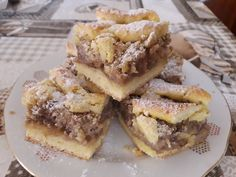 Diós rácsos, a szavam is elállt, olyan finom lett ez az édes csoda! - Egyszerű Gyors Receptek Hungarian Cake, Hungarian Recipes, Poppy Seed Cookies, Poppy Cake, Looks Yummy, Sweet Cakes, French Toast, Food And Drink, Cooking Recipes
