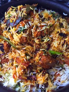 Cooking biryani or rice for that matter isn't my forte , so with great  hesitation I set out to replicate this superb biryani that Harje...
