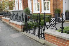 Cast Iron style (now commonly wrought iron) railings & gate give this period property an old fashions charm. The aim is to create a look that appears as though it has been there forever. Black Railing, Front Gardens, Edwardian House, Fence Ideas, Railings, Garden Projects, Wrought Iron, Gates, Cast Iron
