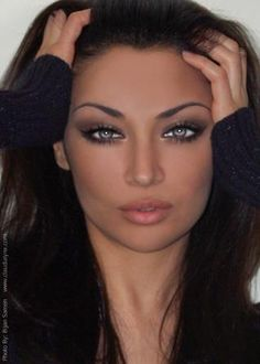 Claudia Lynx ... the brows are a bit thin but they're perfectly arched. Those eyes!