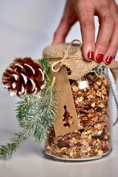 Diy Christmas Hampers, Edible Christmas Gifts, Edible Gifts, Best Christmas Gifts, Christmas Crafts, Homemade Christmas Presents, Holiday, Granola, Muesli