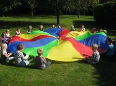 Spelles, gymles - Lesidee kleuters | Juf Anke Games For Kids, Activities For Kids, Parachute Games, Kids Talent, Animation, Gymboree, Happy Life, Kids Playing, Beach Mat
