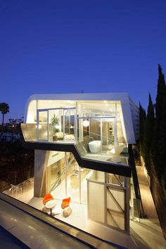 Contemporary Skywave House In Los Angeles by Coscia Day Architecture and Design