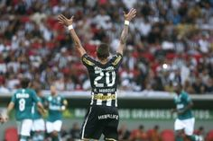 Mané Garrincha pode receber partida entre Botafogo e Fluminense - http://noticiasembrasilia.com.br/noticias-distrito-federal-cidade-brasilia/2014/08/02/mane-garrincha-pode-receber-partida-entre-botafogo-e-fluminense/
