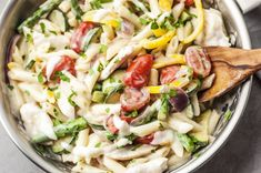 Full of fresh veggies in a pamesan sauce as rich and creamy as it is light, this easy Chicken Pasta Primavera is the perfect clean and healthy pasta dish. Healthy Pasta Dishes, Italian Pasta Dishes, Healthy Pastas, Healthy Recipes, Ww Recipes, Pasta Recipes, Chicken Recipes, Healthy Food, Dinner Recipes