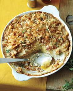 Rutabaga Gratin: Amy Pennington, creator of GoGo Green Garden, made-over her favorite Thanksgiving recipe with vegan ingredients. The nut cream makes the rutabagas velvety, yet still filling and lush. Side Dish Recipes, Vegetable Recipes, Vegetarian Recipes, Cooking Recipes, Healthy Recipes, Side Dishes, Healthy Dinners, Rutabaga Recipes, Vegetable Casserole