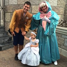 This Little Girl Gets To Go To Disney World Weekly In Adorable Outfits 0 - https://www.facebook.com/diplyofficial