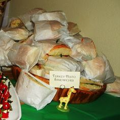 Pesto sandwich sauce for pesto turkey sandwiches