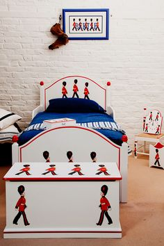 roomset Terry's Soldiers hand painted childrens furniture