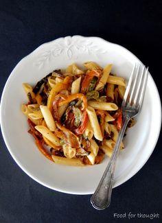 Food for thought: Πένες με χρωματιστές πιπεριές και σαφράν