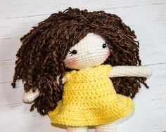 How to Attach Hair to a Crochet Doll - The Friendly Red Fox Crochet I Cord, Free Crochet, Knit Crochet, Crochet Hats, Knitted Doll Patterns, Knitted Dolls, Crochet Patterns, Crochet Ideas, Doll Wigs