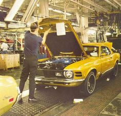 1970 Mach 1 on the assembly line