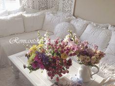 Romantik Kır evim Shabby chiccc Kır evi tarzı Taze çiçekler Romantik evin çiçekleri