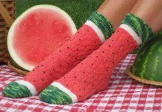 Ravelry: Pasteque - Watermeloen - Watermelon Slice Socks pattern by Wendy Gaal Funky Socks, Crazy Socks, Cute Socks, My Socks, Awesome Socks, Silly Socks, Watermelon Slices, Watermelon Head, Watermelon Patch