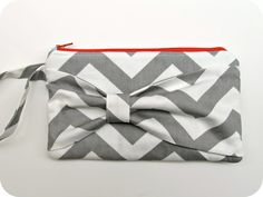 homemade by jill: chevron bow clutch  @Candace Beeghly