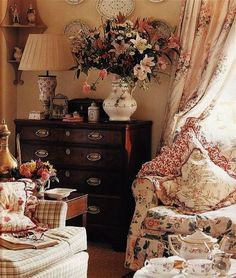 Amazing -> Country Cottage Kitchen Table #follow