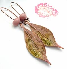 Earrings Everyday: Spring Petal Earrings - oh so pretty! From Heather at Humbleabeads