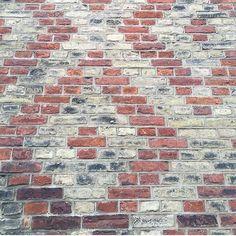 Beautiful brick patterns using brick color variations {: @helenradloff } http://www.VintageBricks.com