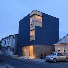 Yasushi Kawashima, fondateur du studio Huukei Design, nous a contactés pour nous présenter l'une de ses réalisations, une habitation répartie sur plusieurs