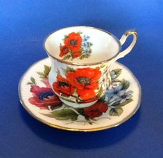 Queens Pedestal Tea Cup & Saucer - White With Red Poppies Staffordshire England