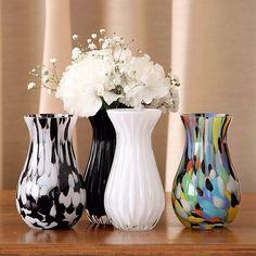 Que tal deixar sua casa mais bonita e aconchegante?! Com as peças da @cristaiscadoro fica fácil!   Vasinhos de mesa da @cristaiscadoro, em diversas cores e formatos para combinar com qualquer ambiente.   Preço: a partir de R$46,90  Onde encontrar: www.cristaiscadoro.com
