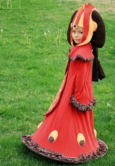 If only I knew a little girl to gift this to! Star Wars Queen Amadala Recycled Tshirt Costume $200