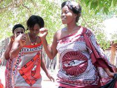 Ein Besuch in Swaziland, bzw. ESwatini, wie das kleine Königreich seit einiger Zeit wieder heißt, bringt Einblicke in die Kultur der Zulu. Uns steckt die Lebensfreude der Meschen immer wieder an. Mehr Reisetipps findet Ihr auf unserer Website, gern beraten wir Sie auch persönlich, Livingstone, Port Elizabeth, Pretoria, Safari, Zulu, Vera Bradley Backpack, Fashion Backpack, Bags, Zimbabwe