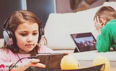 Kampaň #vbezpeci: Deti denne trávia na TikTok-u 80 minút - Akčné ženy Youtube, Youtubers, Youtube Movies