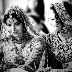 I love this picture. It may be black and white but its got so much stored in there. The make up, the hair, the smiles, the expressions, emotions, jewelry, the beauty and the clothes. I love it. Two of my favorite actresses <3