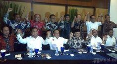 Jakarta, Aktual.com – Koalisi Merah Putih akan ambil bagian dalam pemerintahan dalam reshuffle mendatang, Pengamat Politik Al Azhar Rahmat Bagdja menyebutkan mungkin saja jika konflik Golkar selesai.