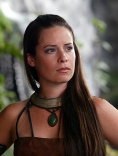Holly Marie Combs is Piper Halliwell Serie Charmed, Charmed Tv Show, Holly Marie Combs, Rose Mcgowan, Kaley Cuoco, Alyssa Milano, Playboy Logo, Shannen Doherty, The Good Witch