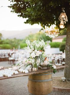 Gorgeous rustic decor: http://www.stylemepretty.com/little-black-book-blog/2015/04/10/classic-elegant-tuscan-il-borro-wedding/ | Photography: Rebecca Arthurs - http://www.rebecca-arthurs.com/