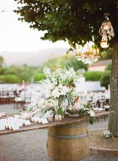 Gorgeous rustic decor: http://www.stylemepretty.com/little-black-book-blog/2015/04/10/classic-elegant-tuscan-il-borro-wedding/ | Photography: Rebecca Arthurs - http://www.rebecca-arthurs.com/
