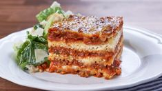 CTV - Mary's Kitchen Crush, Mary In A Minute: The Cheesiest Meat Lasagna I thought you would love to watch this video Pasta Sauce Ingredients, Mary's Kitchen, Meat Lasagna, Pasta Dishes, Beef Dishes, Pasta Sauces, Cooking Recipes, Beef Recipes, Lasagna Recipes