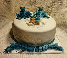 #ingridskakerbørsa #dåpskake #tvillingdåp #tvillingdåpskake #guttedåp #bamser #baby #tog #sjokoladekake #bringebærmousse #fondant #sørtrøndelag #skaunkommune #børsa Mousse, Birthday Cake, Desserts, Food, Tailgate Desserts, Deserts, Birthday Cakes, Essen, Postres