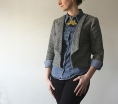 A perfect little Salme Cropped Blazer by Kristi #sewing #salmepatterns