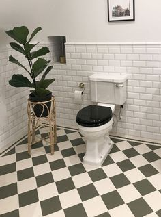 Badrumsinspiration Granitklinker - Schackrutigt 15 x 15 cm Australian green/vit Metro Tiles Bathroom, Laundry Room Bathroom, Upstairs Bathrooms, Bathroom Floor Tiles, Bathroom Design Inspiration, Bathroom Inspo, Bathroom Interior Design, Home Interior, Small Bathroom Renovations