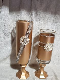gold and silver candle holders Great for any room addition Available on look for elegantkreationzco Diy Candle Wick, Diy Candles, Screen Cards, Silver Candle Holders, Decorated Wine Glasses, Candle Store, Spode Christmas Tree, Wedding Centerpieces, Led Centerpieces