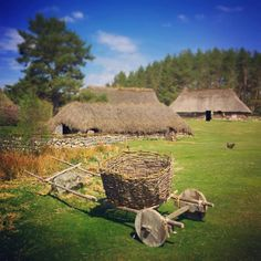 The Highland Folk Museum, Britain's first open air museum, looking very picturesque in the sunshine ☀ Lindsay Fox Cave https://www.visitscotland.com/info/see-do/highland-folk-museum-newtonmore-p251241