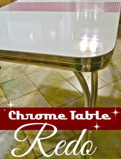 Redo It Yourself Inspirations : Retro Chrome Table Redo - Furniture Modern Retro Kitchen, Retro Kitchen Tables, Retro Kitchen Appliances, Diner Table, Kitchen Table Makeover, Retro Kitchen Decor, Retro Home, Vintage Kitchen, Retro Kitchens