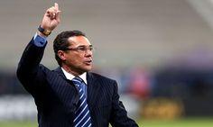 Após uma grande reviravolta depois de descartar e ser descartado pelo Sport, Vanderlei Luxemburgo é o novo técnico do clube.