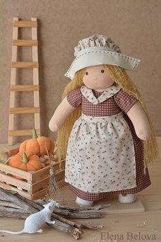 He encontrado este interesante anuncio de Etsy en https://www.etsy.com/es/listing/222602569/waldorf-doll-cinderella-ready-to-ship