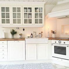 Buon pomeriggio… Una splendida casa nordic style con accenti gustaviani in Svezia … ...