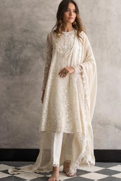 Stylish White Lace Ideas You Will Love 48 - When looking through wedding dresses it is highly essential that you pick the right one, and it will depend on more than what suits you. For instance,. Pakistani Fashion Casual, Pakistani Outfits, Asian Fashion, Indian Outfits, Indian Attire, Indian Ethnic Wear, Modest Dresses, Casual Dresses, Indian Designer Suits