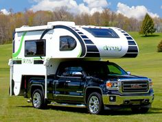 ★Little Guy launches the 2016 Cirrus 800, a non-slide, hard side short bed truck camper with an opening front window, heated floors, Froli system, and more.