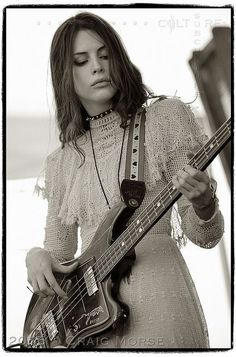 Charlotte Kemp Muhl of The Ghost of a Saber Tooth Tiger at Austin Psych Fest on May 2015 Bass Guitar Scales, Kemp Muhl, Guitar Guy, Guitar Tabs, Sean Lennon, Musician Photography, Guitar Tattoo, Guitar Logo, Women Of Rock