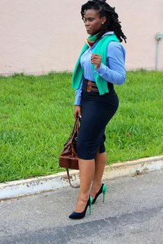 find over 50 Beautiful Africa women office outfits for you to try, Stay sexy in your day to day business and always look like the box in the office. Office Outfits For Ladies, Business Outfits Women, Business Casual Attire, Professional Attire, Womens Fashion For Work, Work Fashion, Women's Fashion, Chic Outfits, Fashion Outfits