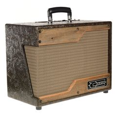 The Raleigh is a versatile practice/studio amp designed to deliver both pristine clean and heavily overdriven tones at usable volumes. The Raleigh's styling pays homage to the funky practice amps of the late 50s and early 60s.
