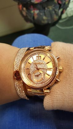 Micheal kors  rose gold....watch, bracelet, coat... Michael Kors Rose Gold, Michael Kors Watch, Absolutely Stunning, Gold Watch, Freezer, Jewelery, Booty, Watches, Chain